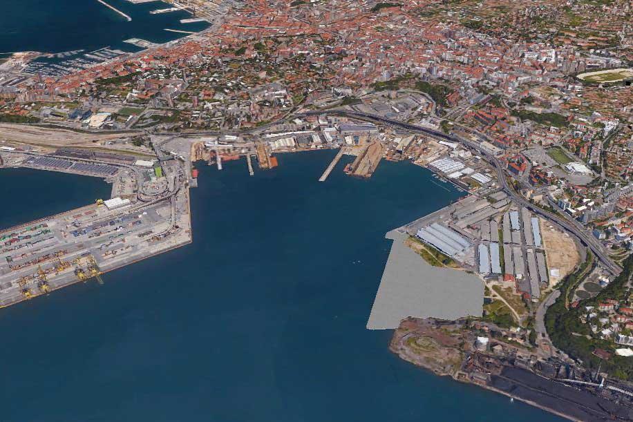 Fotografia aerea di una parte del porto Trieste
