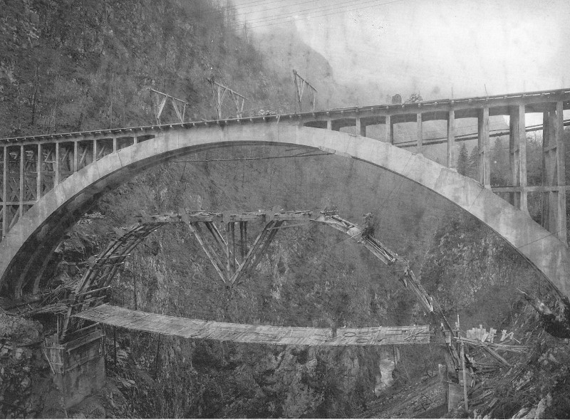 foto storica costruzione ponte sul lumiei