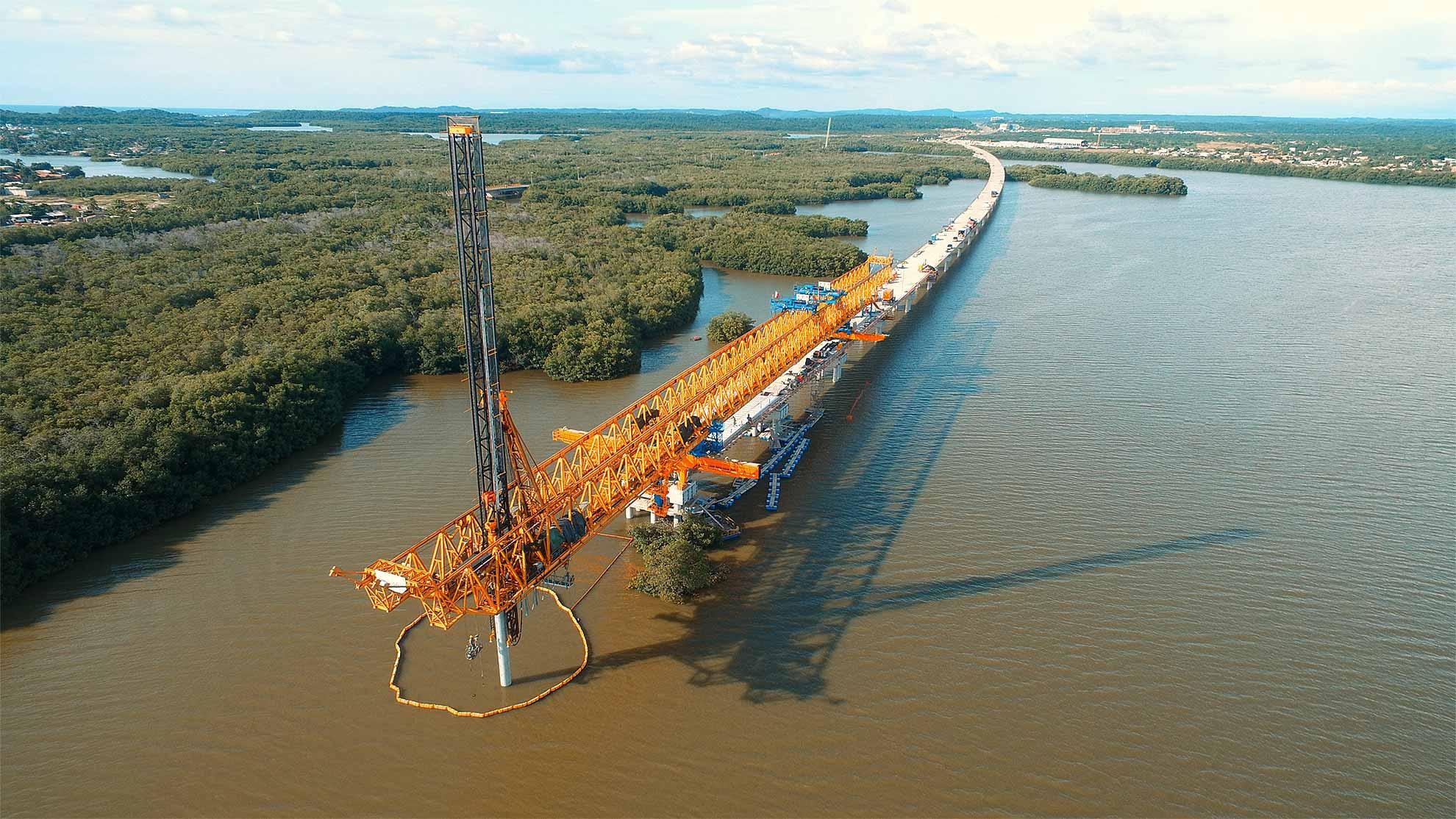 costruzione viadotto del Gran Manglar